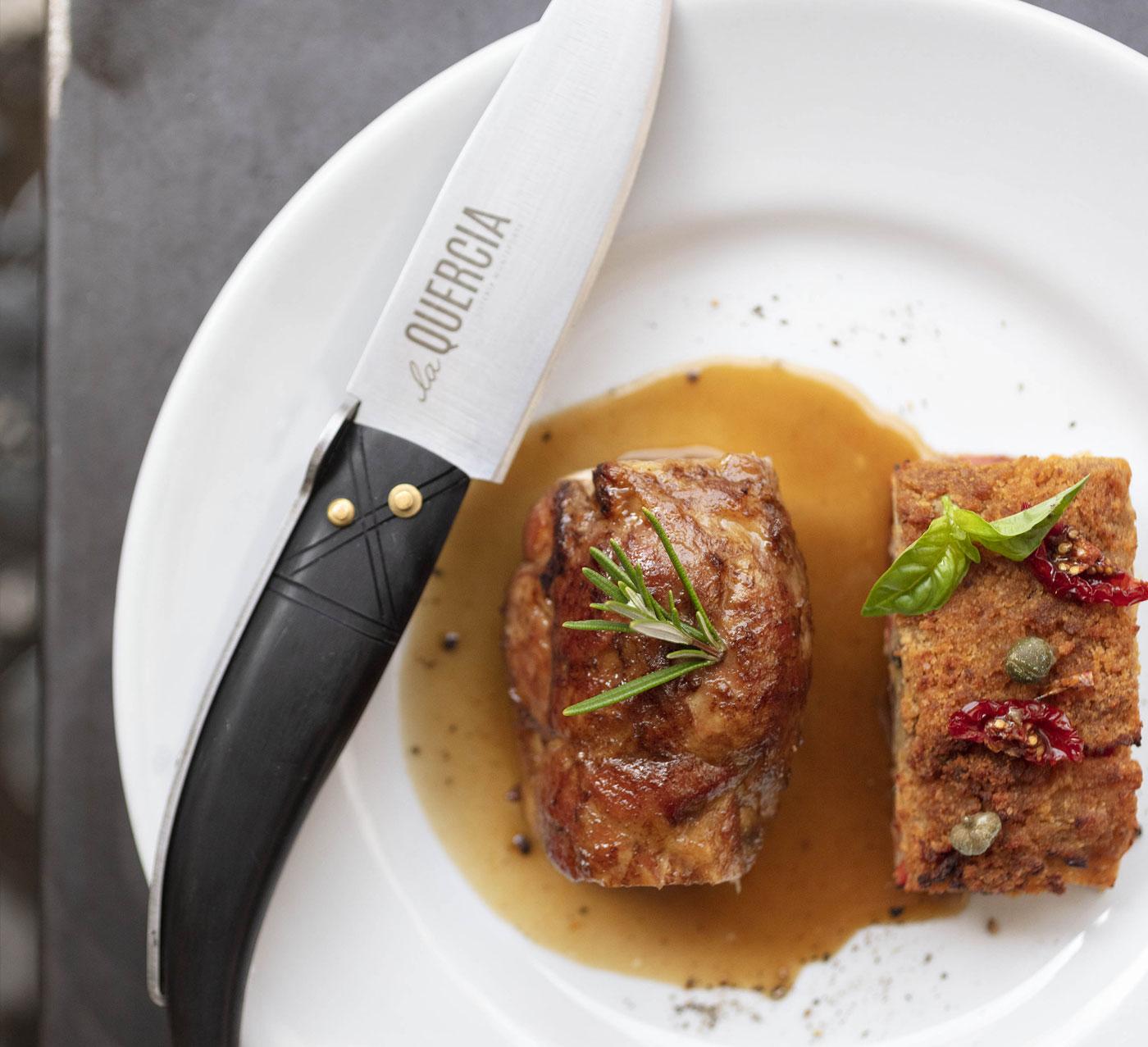 piatto carne e coltello osteria